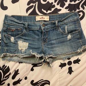 Hollister jean shorts size 9